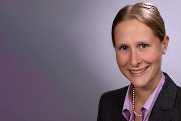 Dr. Isabel Gross