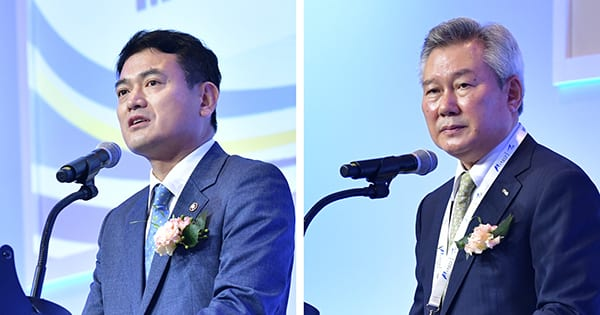 Vice Minister for Transport, Mr Kyung Wook Kim (left), and CEO of KAC, Mr Chang-Wan Son. AAETS