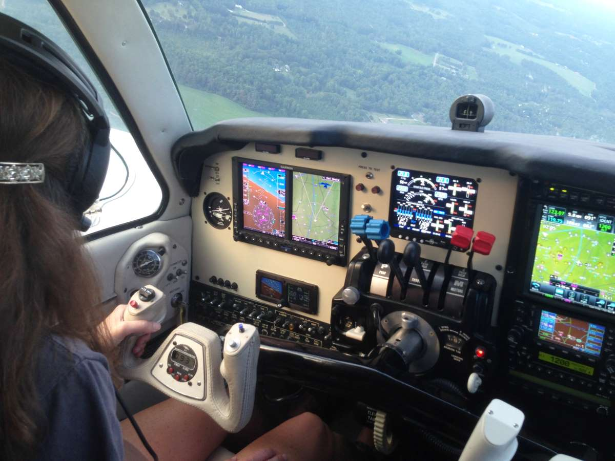 Garmin G600 panel in a Beechcraft Baron.