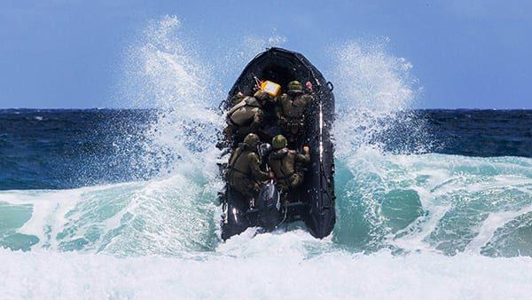 """Surf """"negotiation"""" training during RIMPAC"""