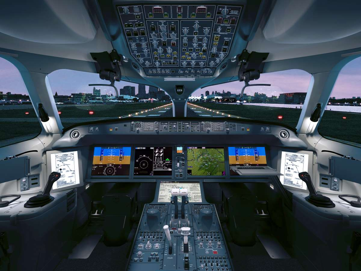 A Collins Aerospace Airbus A220 flight deck.