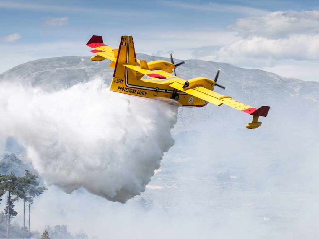 Until recently, water-bomber training was of necessity conducted in the aircraft, a high-risk environment that also added to airframe and engine wear.