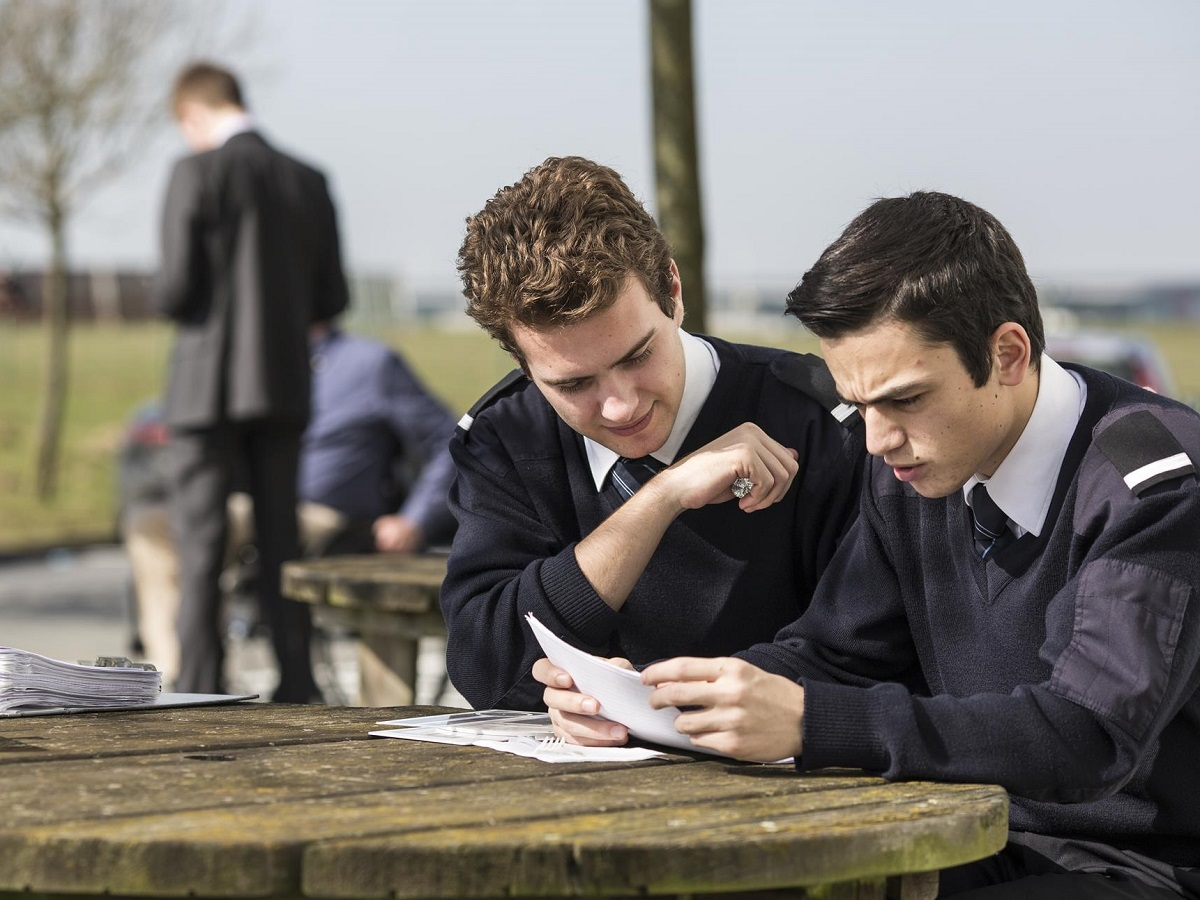 Cae brussels cadets studying 5000x3333