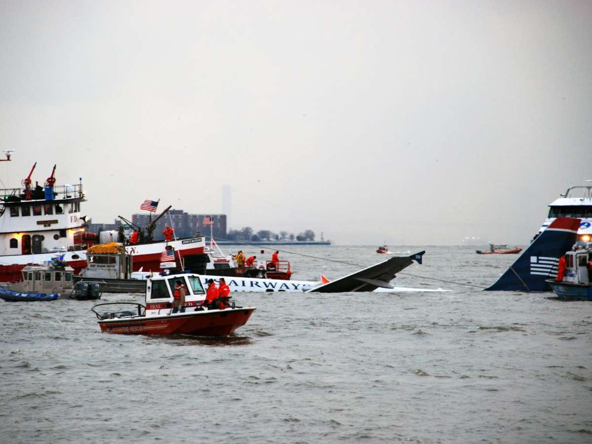Us air flight 1549 rescue effortsb scaled e1589208310377