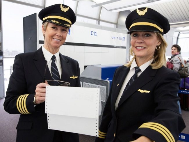 United Pushes Pilot Furloughs to Summer 2021
