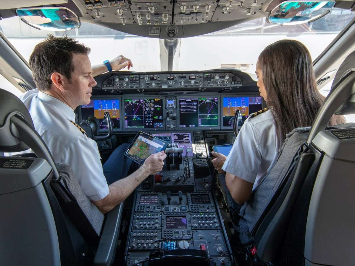 Aviate photo pilots at flight deck united image