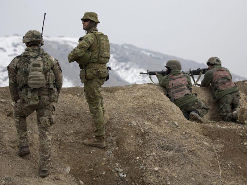Australian Army mentor Afghan instructors