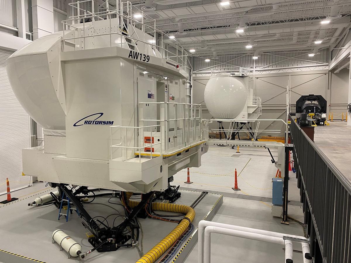 Full flight simulator hangar