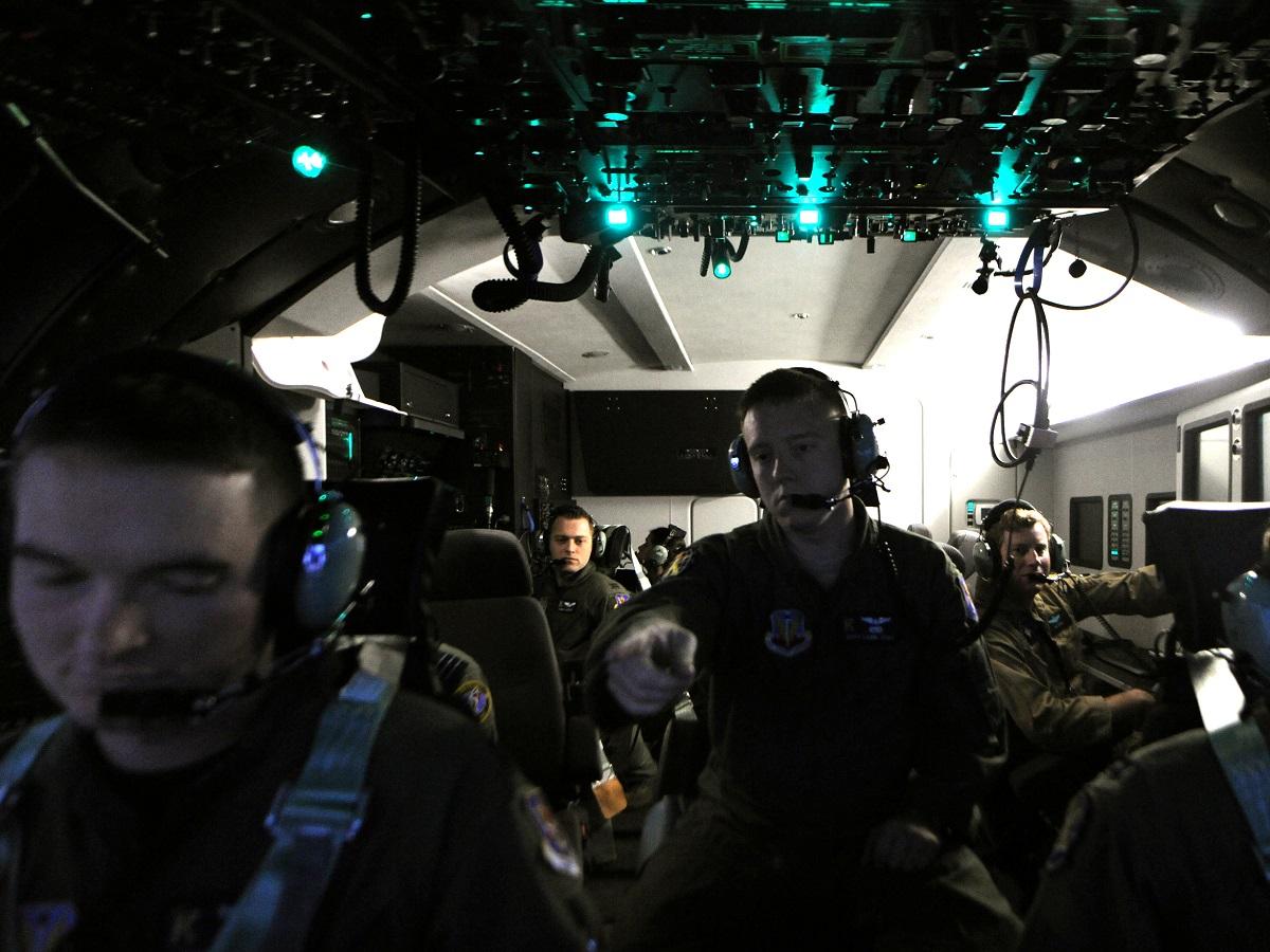 Usaf crew c 130 sim moody 101101 f 5271w 465