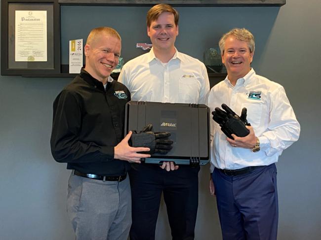 VRgluv Hands Over First Haptic Gloves to ECS