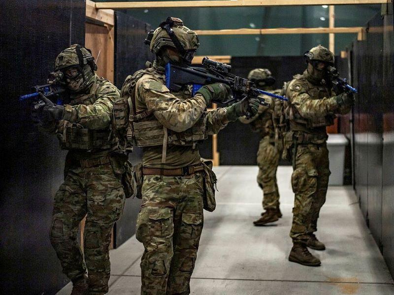 Urban warfare trainingef88 airsoft rifles