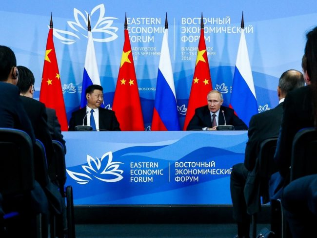 Chinese, Russian Troops Drill Together