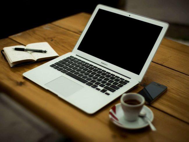 laptop webinar